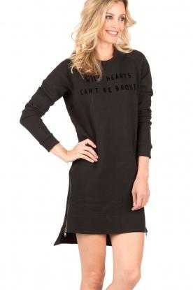 Zoe Karssen | Sweaterjurk Wild Hearts | zwart