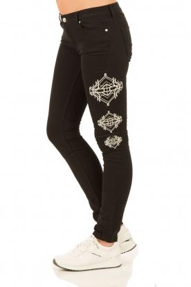 NIKKIE | Skinny Jeans Graphic lengtemaat 30 | zwart
