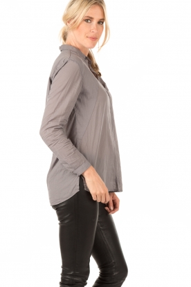 Ruby Tuesday | Blouse Suze | grijs