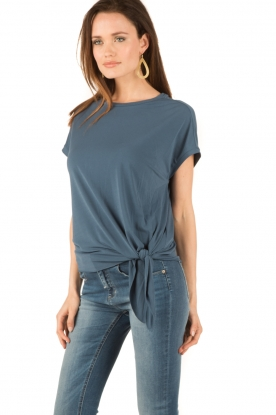 By Malene Birger | Geknoopte top Ziwian | blauw