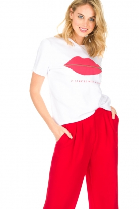 Zoe Karssen | T-Shirt It Started With a Kiss | wit