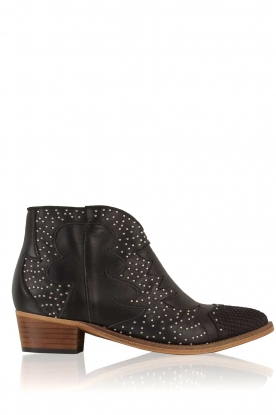 Catarina Martins |  Leather ankle boots Chase | black