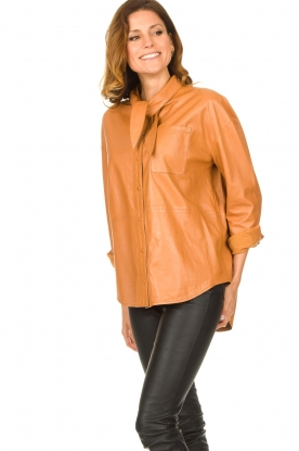 Ibana |  Leather blouse with bow tie Tracy | camel