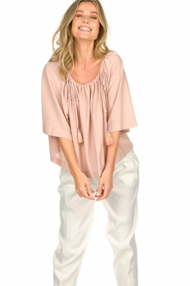 Atos Lombardini | Off-shoulder top met lurex Lauretta | nude