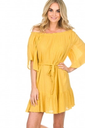 Hipanema | Off-shoulder jurk Rayane | geel