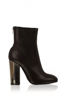 Morobé |  Leather ankle boot Prato | black