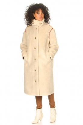 Look Teddy jas met geborduurde details Sable