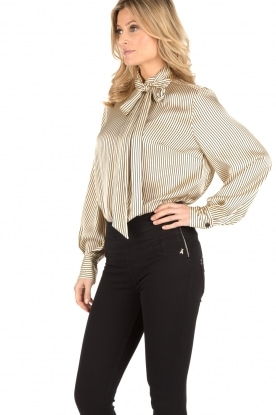 By Malene Birger | Pussybow blouse Aluda | ecru/zwart