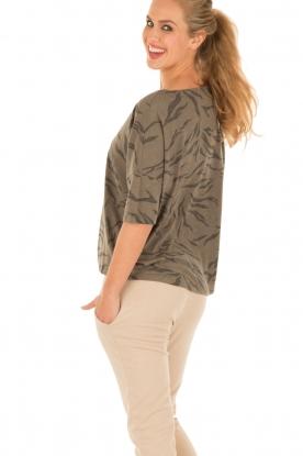 Juvia | Shirt Safari | bruin