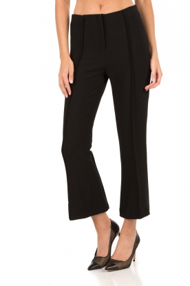 By Malene Birger | Cropped pantalon Scaled | zwart