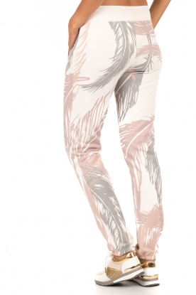 Juvia   Sweatpants Safari   multi