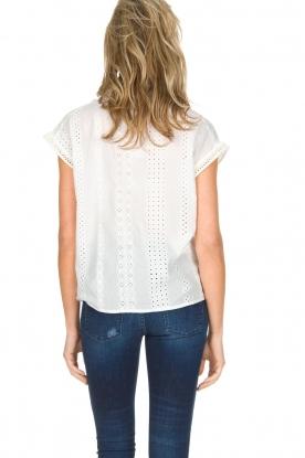 Knit-ted | Top met borduursels Alice | gebroken wit