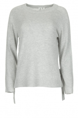 Knit-ted |  Jessica Savanne | grey