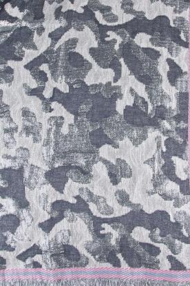 Becksöndergaard | Sjaal met zilveren legerprint | zilver