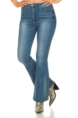 Articles of Society | High waist flared jeans Bridgette | blauw