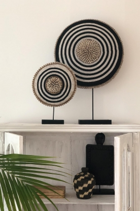 Little Soho Living |  Shield with beads and shells Camdon - extra large | black & whi