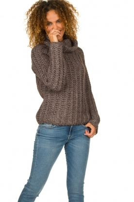 Blaumax |  Sweater with heavy knitted pattern Tia | brown