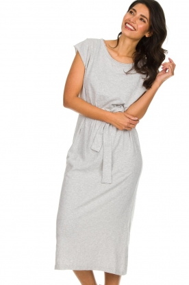 American Vintage |  Midi dress with matching belt Bysapick | grey
