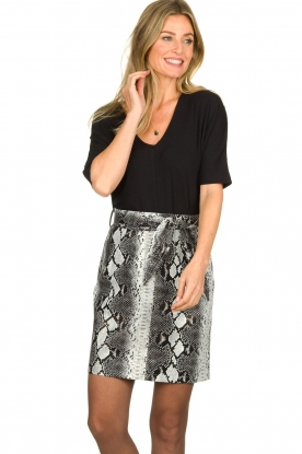 Aaiko |   Faux leather snake print skirt Patia | animal print