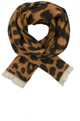 Moment by Moment |  Leopard print scarf Daan | animal print