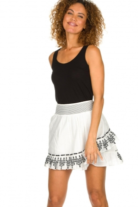 Aaiko |  Embroidered skirt Patna | white