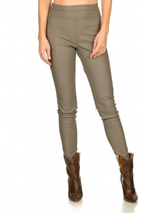Knit-ted | Faux leather leggings Amber | grey