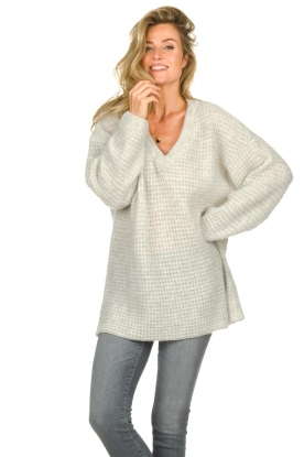 American Vintage |  Knitted V-neck sweater Vapcloud | grey