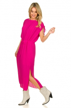 Silvian Heach |  Pleated midi dress Qualyub | pink
