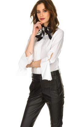 ELISABETTA FRANCHI |  Silk printed shawl Catena | black