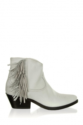 Janet & Janet |  Leather fringe ankle boots Clizia | white