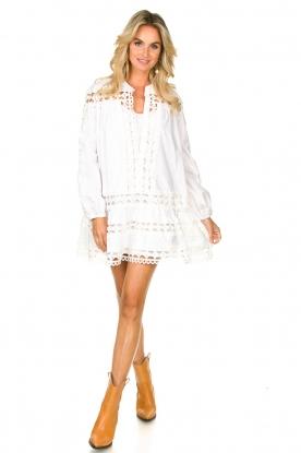 Look Katoenen jurk met broderie details Christina