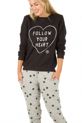 Zoe Karssen | Sweater Follow Your Heart | zwart