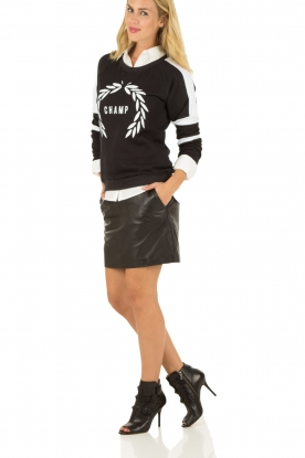 Zoe Karssen | Sweater Champ | zwart