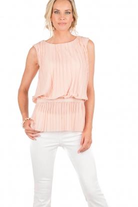 Top Emigre | light pink
