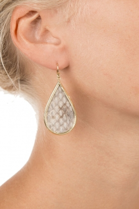 Close to Zen |  22ct plated earrings Little Tears Of Joy | natural