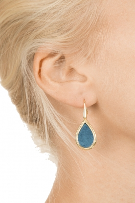 Close to Zen | 22kt vergulden oorbellen Little Tears of Joy klein | blauw