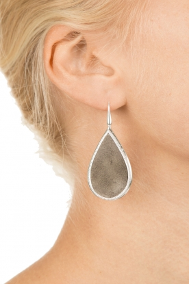 Close to Zen | 925 sterling oorbellen Little Tears of Joy groot | grijs