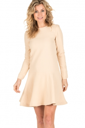 Ruby Tuesday | Flared jurk Nona | creme