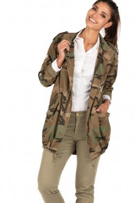 MASONS | Cargo jacket met legerprint Flora | groen