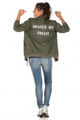 Zoe Karssen | Bomberjas Bruised | groen