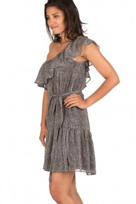Aaiko | Off-shoulder jurk Janina | grijs