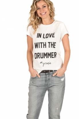 NIKKIE | T-shirt In Love With The Drummer | wit