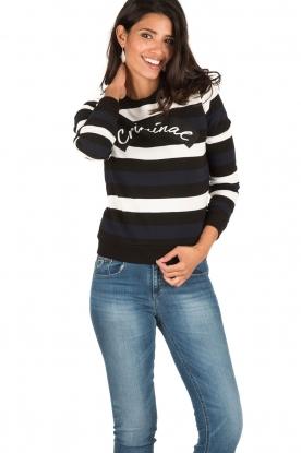 NIKKIE | Gestreept sweater Criminal | blauw/wit/zwart