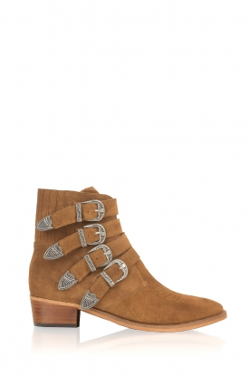 Catarina Martins |  Suede ankle boots Chase Buckels | camel