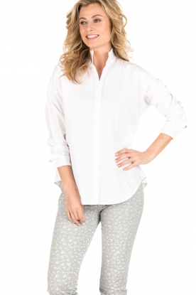 Hoss Intropia | Blouse met ruches kraag Camal | wit