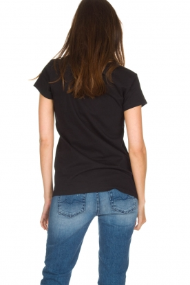 NIKKIE | T-shirt Boss Lady | zwart