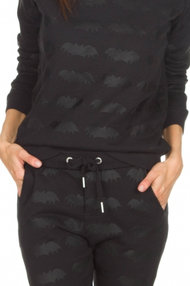 Zoe Karssen | Sweater Bat | zwart