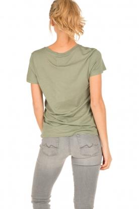 Zoe Karssen | T-shirt The War Is Over | groen