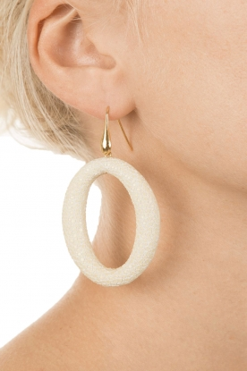 Miccy's | Oorbellen Stingray Hoops | naturel