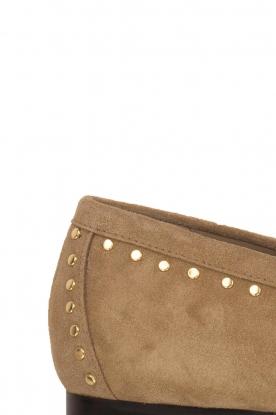 Toral | Loafers met gouden studs Alisa | zand